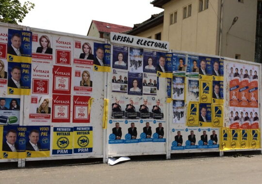 Campanie electorala decenta. Interzis la panouri, doar afise si pliante