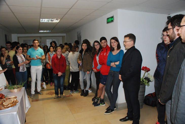 Studentii sibieni incep scoala cu o petrecere de Martisor