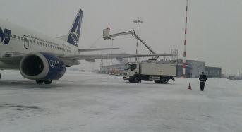Anulari si intarzieri mari pentru zborurile de la Sibiu. Aeroportul este functional, dar opereaza in regim de iarna