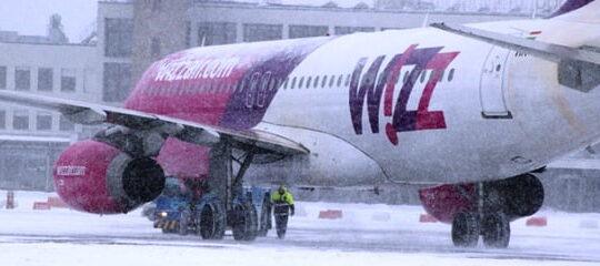 Zapada face probleme si pe Aeroportul Sibiu. O cursa a fost intarziata