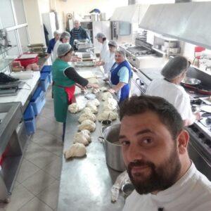chef manuel betto pecori face pizza cu studentii ulbs